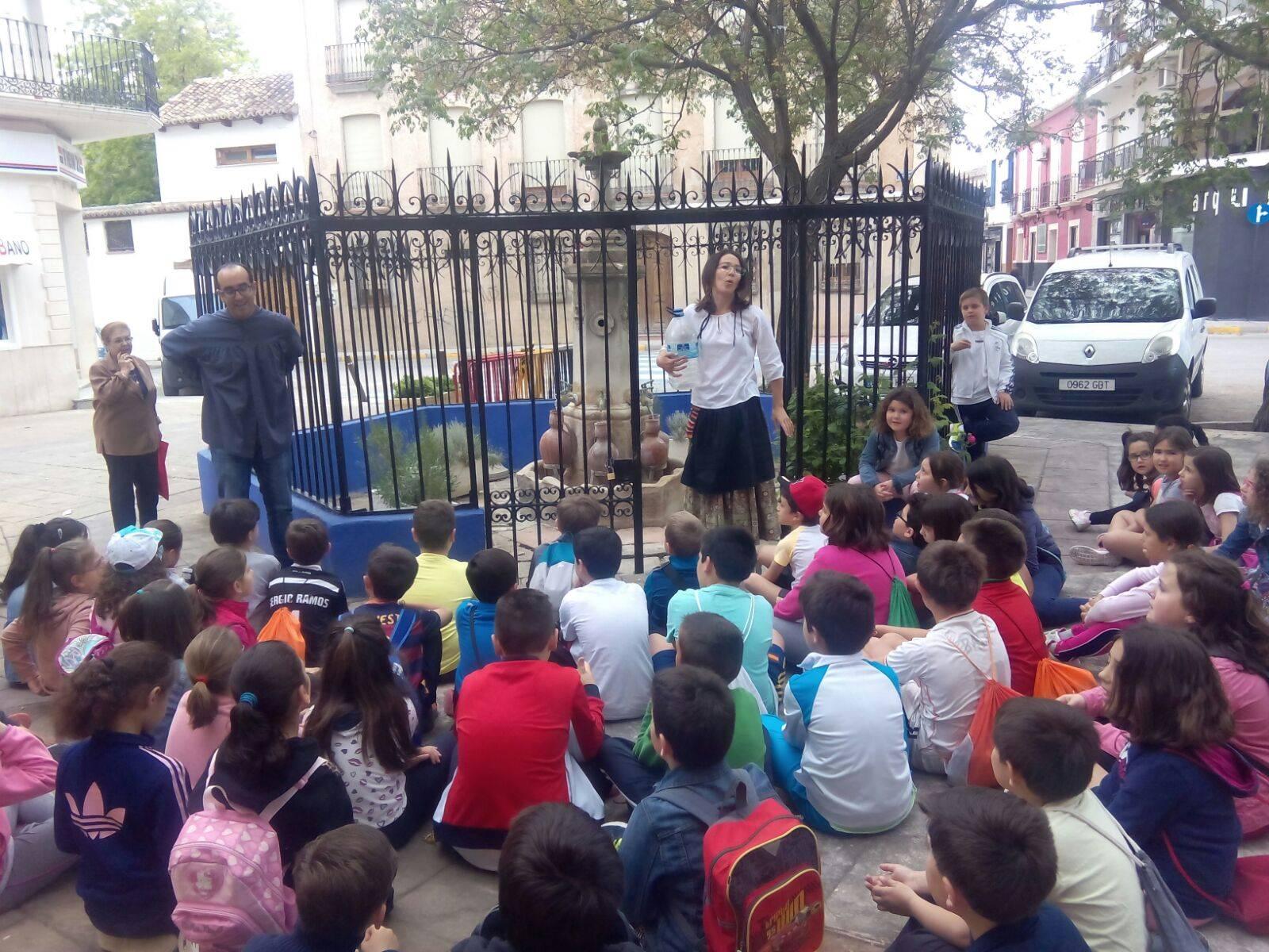 Visita teatralidad a los caños del agua de Herencia durante la semana cultural CEIP Carrasco Alcalde de Herencia6