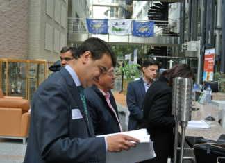Consejero de Agricultura, Medio Ambiente y Desarrollo Rural, Francisco Martínez Arroyo, mantiene una reunión con el director general de Medio Ambiente.
