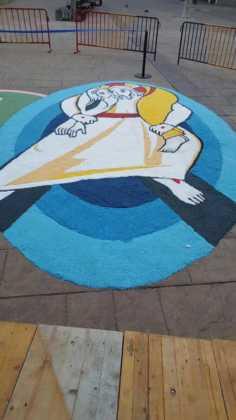 foto alfombras corpus Fotografia cofradia Santo Entierro 8 236x420 - Galería de imágenes del Corpus Christi en Herencia