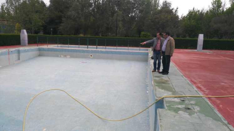 intervenciones piscina municipal 2016 verano 3 747x420 - Preparando la Piscina Municipal para el Verano 2016