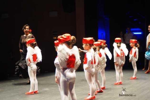 Festival Mago de Oz de los grupos de Danza de la Universidad Popular de Herencia12 630x420 - Galería fotográfica del Festival de danza y música del Mago de Oz