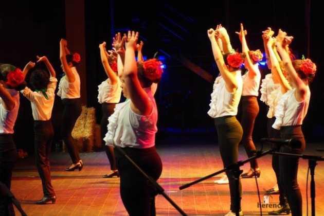 Festival Mago de Oz de los grupos de Danza de la Universidad Popular de Herencia21 630x420 - Galería fotográfica del Festival de danza y música del Mago de Oz