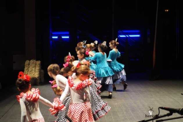 Festival Mago de Oz de los grupos de Danza de la Universidad Popular de Herencia39 630x420 - Galería fotográfica del Festival de danza y música del Mago de Oz