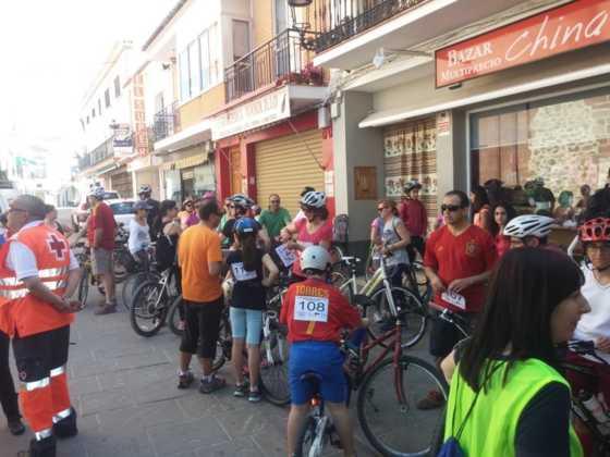 IX Marcha en bicicleta contra el c%C3%A1ncer007 560x420 - Galería de fotos y vídeo de la IX Marcha en bicicleta