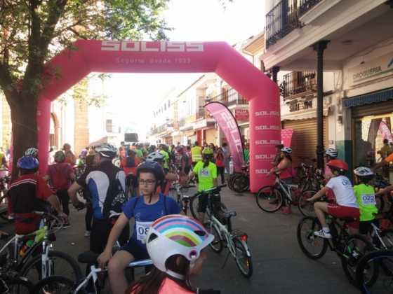 IX Marcha en bicicleta contra el c%C3%A1ncer011 560x420 - Galería de fotos y vídeo de la IX Marcha en bicicleta