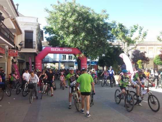 IX Marcha en bicicleta contra el c%C3%A1ncer012 560x420 - Galería de fotos y vídeo de la IX Marcha en bicicleta