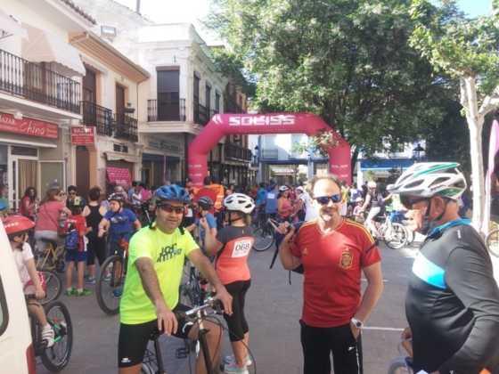 IX Marcha en bicicleta contra el c%C3%A1ncer013 560x420 - Galería de fotos y vídeo de la IX Marcha en bicicleta