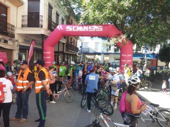 IX Marcha en bicicleta contra el c%C3%A1ncer014 560x420 - Galería de fotos y vídeo de la IX Marcha en bicicleta