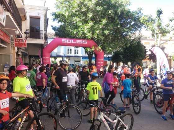 IX Marcha en bicicleta contra el c%C3%A1ncer016 560x420 - Galería de fotos y vídeo de la IX Marcha en bicicleta