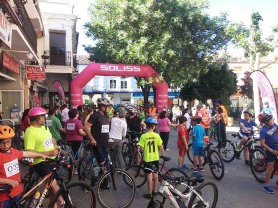 IX Marcha en bicicleta contra el c%C3%A1ncer018 560x420 - Galería de fotos y vídeo de la IX Marcha en bicicleta