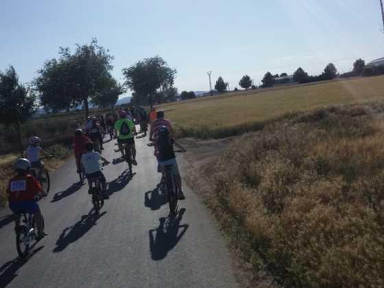 IX Marcha en bicicleta contra el c%C3%A1ncer034 560x420 - Galería de fotos y vídeo de la IX Marcha en bicicleta