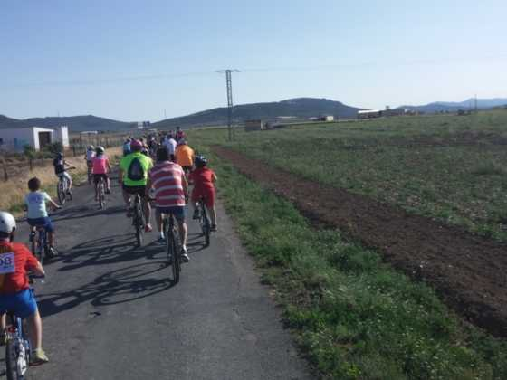 IX Marcha en bicicleta contra el c%C3%A1ncer037 560x420 - Galería de fotos y vídeo de la IX Marcha en bicicleta