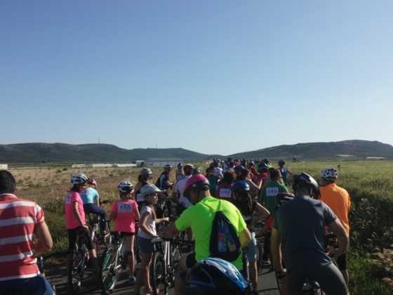 IX Marcha en bicicleta contra el c%C3%A1ncer040 560x420 - Galería de fotos y vídeo de la IX Marcha en bicicleta