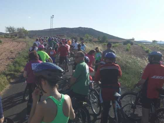 IX Marcha en bicicleta contra el c%C3%A1ncer054 560x420 - Galería de fotos y vídeo de la IX Marcha en bicicleta