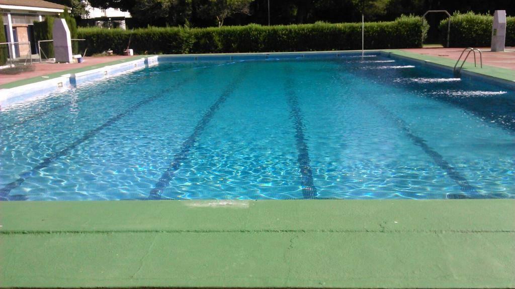 apertura de piscina municipal de Herencia