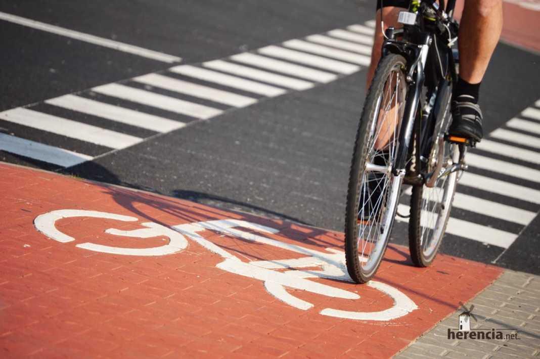 ciclistas en la carretera 1068x710 - Ciclista muerto en antigua N-420 en una colisión con un turismo