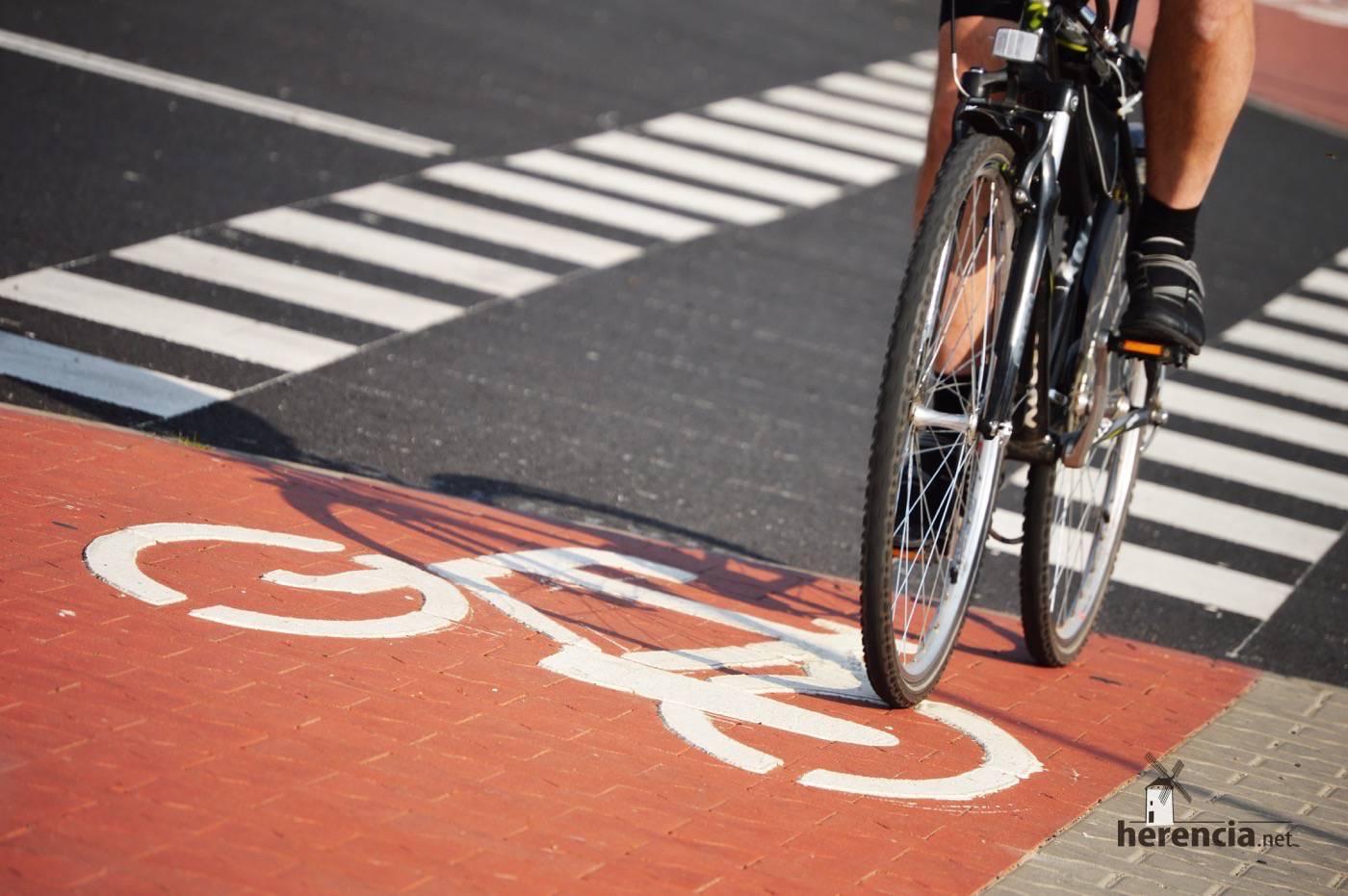ciclistas en la carretera - Ciclista muerto en antigua N-420 en una colisión con un turismo