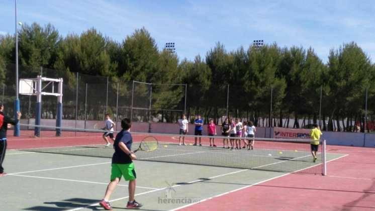 deporte en clausura de escuelas deportivas 3 746x420 - Fiesta de fin de curso de las Escuelas Deportivas Municipales
