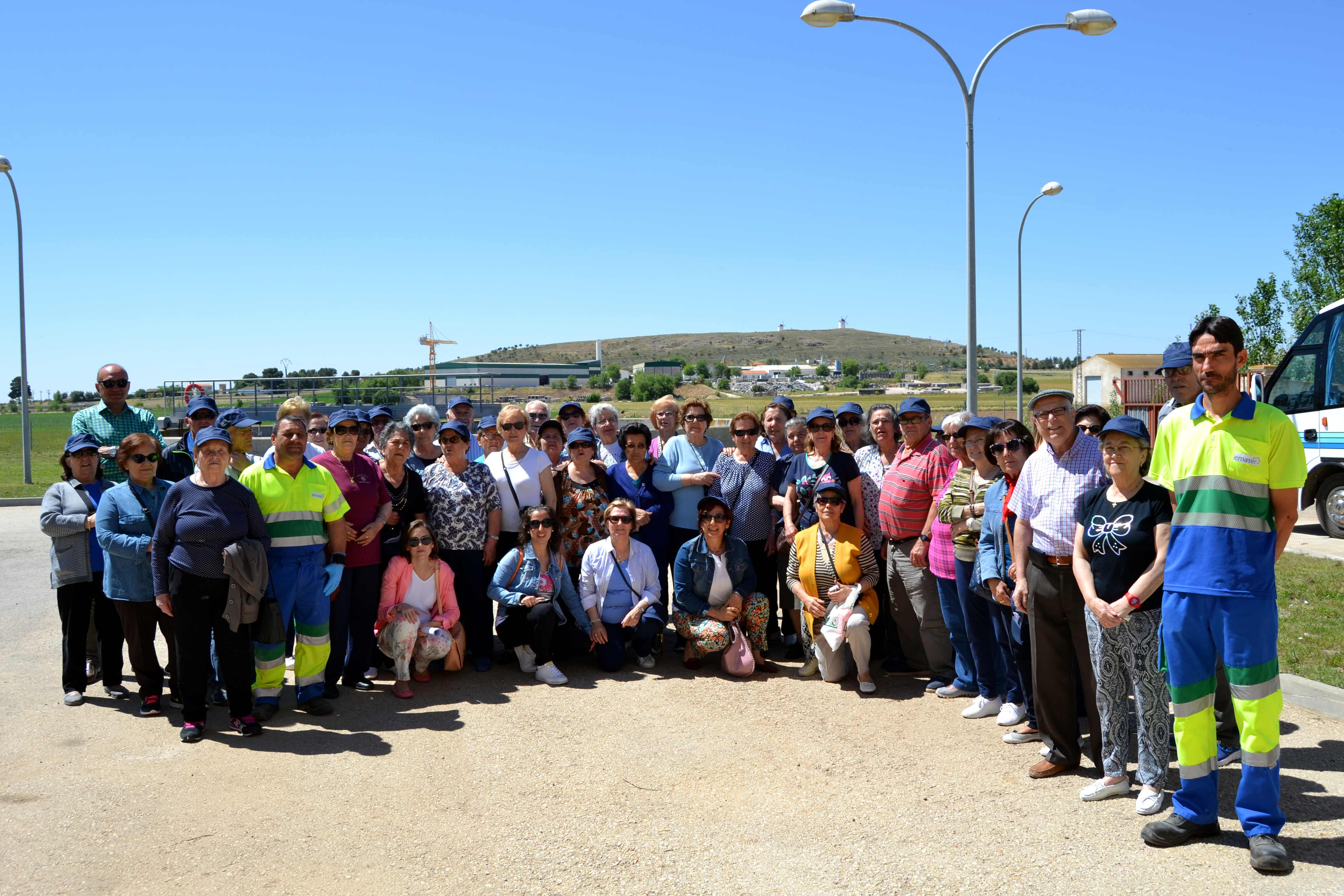 emaser herencia grupo de mayores en EDAR - Visita a instalaciones de tratamiento y depuración de ciclo integral de agua