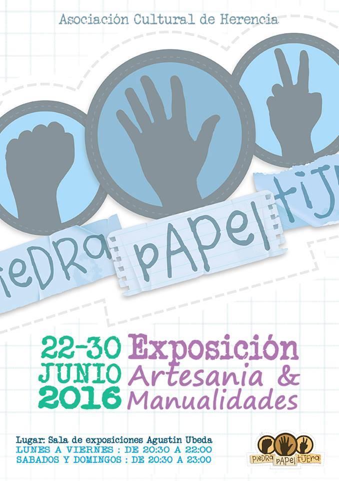 Exposición de artesania y manualidades de la asociación piedra papel y tijera