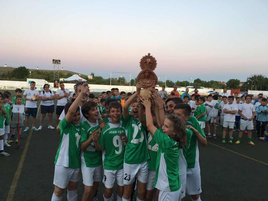 """V Torneo de fútbol 8 """"Virgen de la Soledad"""" 11"""