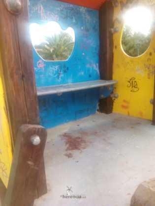 lamentable estado del parque infantil en herencia 5 315x420 - Campaña para que arreglen y reacondicionen el parque infantil