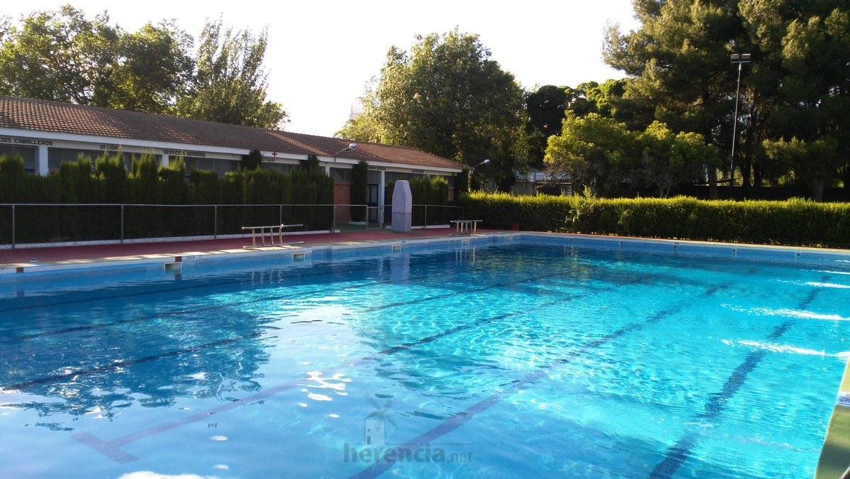 piscina municipal lista para verano 2016 - foto twitter 7