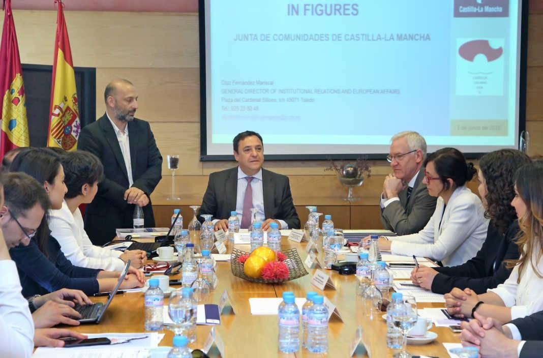 reunion sobre fondos europeos en castilla la mancha 1068x704 - Turquía interesada en gestión de fondos estructurales europeos de Castilla La-Mancha