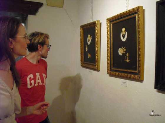 Exposicion de oleos de Inmaculada Garcia Vallejo y Jesus Mata 11 560x420 - Galería de fotos Exposición de Óleos de Inmaculada García Vallejo y Jesús Mata