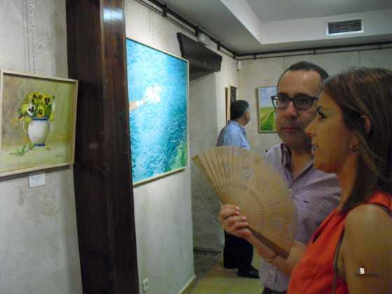 Exposicion de oleos de Inmaculada Garcia Vallejo y Jesus Mata 14 560x420 - Galería de fotos Exposición de Óleos de Inmaculada García Vallejo y Jesús Mata