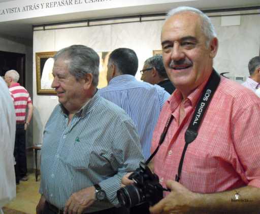 Exposicion de oleos de Inmaculada Garcia Vallejo y Jesus Mata 5 512x420 - Galería de fotos Exposición de Óleos de Inmaculada García Vallejo y Jesús Mata