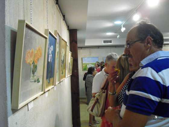 Exposicion de oleos de Inmaculada Garcia Vallejo y Jesus Mata 6 560x420 - Galería de fotos Exposición de Óleos de Inmaculada García Vallejo y Jesús Mata