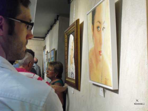 Exposicion de oleos de Inmaculada Garcia Vallejo y Jesus Mata 7 560x420 - Galería de fotos Exposición de Óleos de Inmaculada García Vallejo y Jesús Mata
