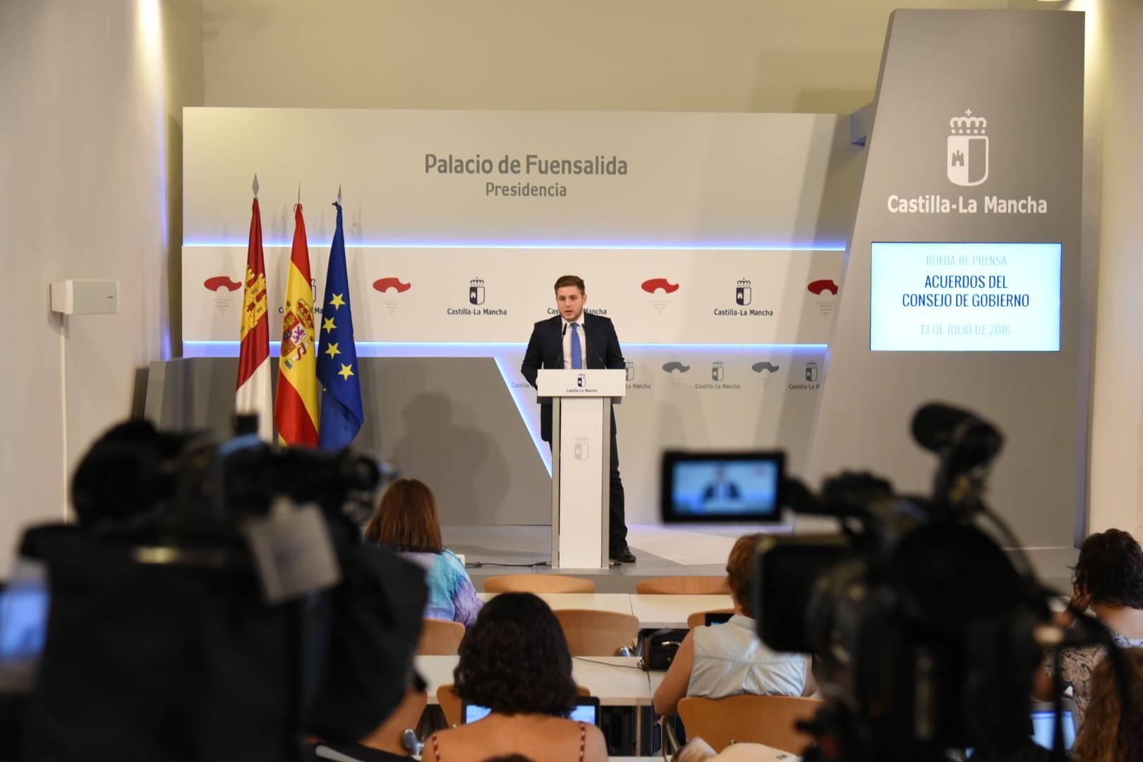 Nacho Hernando informa de los acuerdos del Consejo de Gobierno 13 julio 2016 - 2,1 millones de euros para mejorar la CM-3165