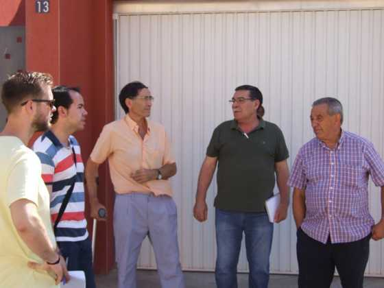 alcalde visita barrio labradora herencia 1 560x420 - El alcalde visita el barrio de la Labradora