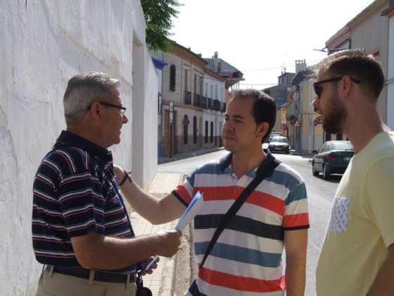 alcalde visita barrio labradora herencia 8 560x420 - El alcalde visita el barrio de la Labradora