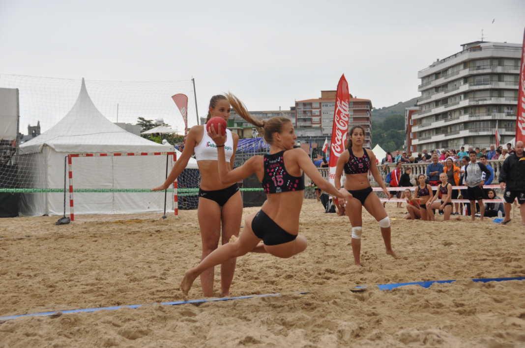 campeonato de balonmana playa 1068x709 - 1ª Escuela de Balonmano Playa abre sus puertas