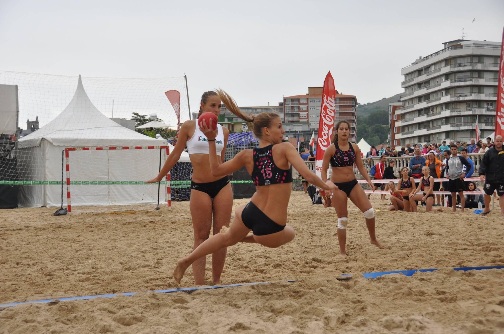 campeonato de balonmana playa - 1ª Escuela de Balonmano Playa abre sus puertas
