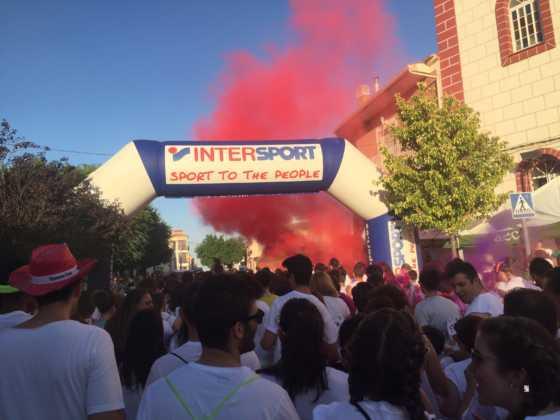 carrera herencia colours run con movil de 1 560x420 - La Marcha Herencia Colours mueve a más de 600 herencianos