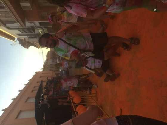 carrera herencia colours run con movil de 10 560x420 - La Marcha Herencia Colours mueve a más de 600 herencianos