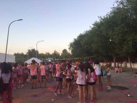 carrera herencia colours run con movil de 19 560x420 - La Marcha Herencia Colours mueve a más de 600 herencianos