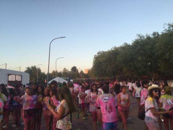 carrera herencia colours run con movil de 2 560x420 - La Marcha Herencia Colours mueve a más de 600 herencianos