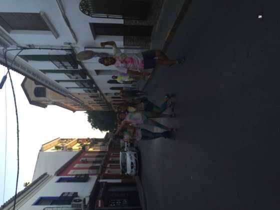 carrera herencia colours run con movil de 23 560x420 - La Marcha Herencia Colours mueve a más de 600 herencianos