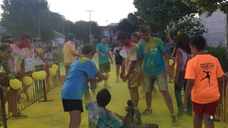 carrera herencia colours run con movil de 26 746x420 - La Marcha Herencia Colours mueve a más de 600 herencianos