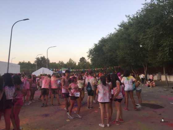 carrera herencia colours run con movil de 4 560x420 - La Marcha Herencia Colours mueve a más de 600 herencianos