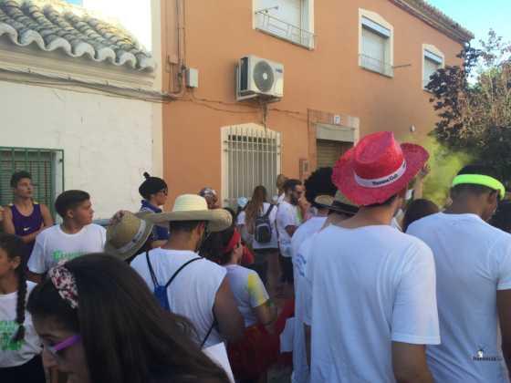 carrera herencia colours run con movil de 48 560x420 - La Marcha Herencia Colours mueve a más de 600 herencianos