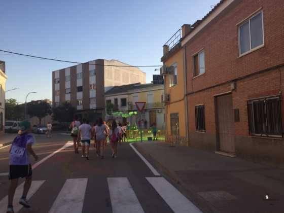 carrera herencia colours run con movil de 49 560x420 - La Marcha Herencia Colours mueve a más de 600 herencianos