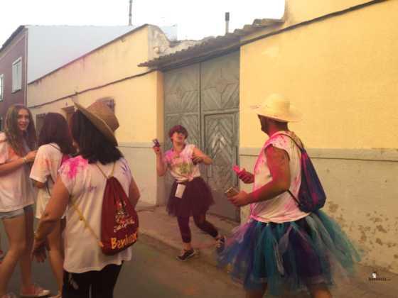 carrera herencia colours run con movil de 52 560x420 - La Marcha Herencia Colours mueve a más de 600 herencianos
