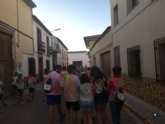 carrera herencia colours run con movil de 56 560x420 - La Marcha Herencia Colours mueve a más de 600 herencianos