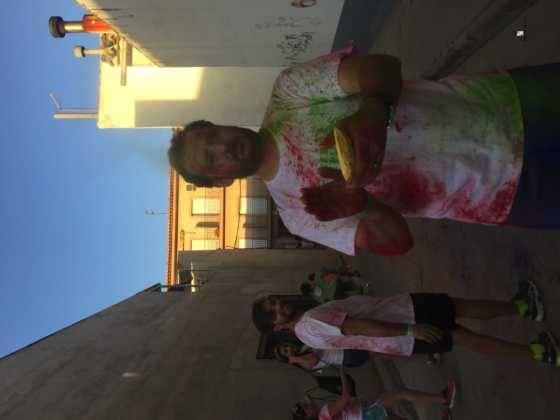 carrera herencia colours run con movil de 57 560x420 - La Marcha Herencia Colours mueve a más de 600 herencianos